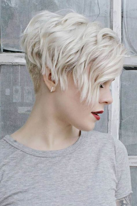 10 Fab Short Hairstyles With Texture Amp Color 2019