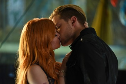 """SHADOWHUNTERS - """"Major Arcana"""" - With the knowledge of where The Mortal Cup is, Clary and the team race to get it before anyone else beats them to it in """"Major Arcana,"""" an all-new episode of """"Shadowhunters,"""" airing Tuesday, February 23rd at 9:00 – 10:00 p.m., EST/PST on Freeform, the new name for ABC Family.(Freeform/John Medland) KATHERINE MCNAMARA, DOMINIC SHERWOOD"""