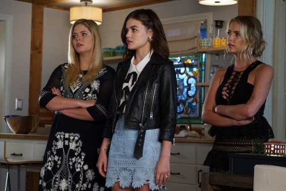 """PRETTY LITTLE LIARS - """"These Boots Are Made For Stalking"""" - Could a high schooler be part of A.D.'s operation? Addison, a mini version of high school Ali, stirs up trouble in """"These Boots Were Made for Stalking,"""" an all-new episode of Freeform's hit original series """"Pretty Little Liars,"""" airing TUESDAY, APRIL 25 (8:00 – 9:02 p.m. EDT). (Freeform/Eric McCandless) SASHA PIETERSE, LUCY HALE, ASHLEY BENSON"""