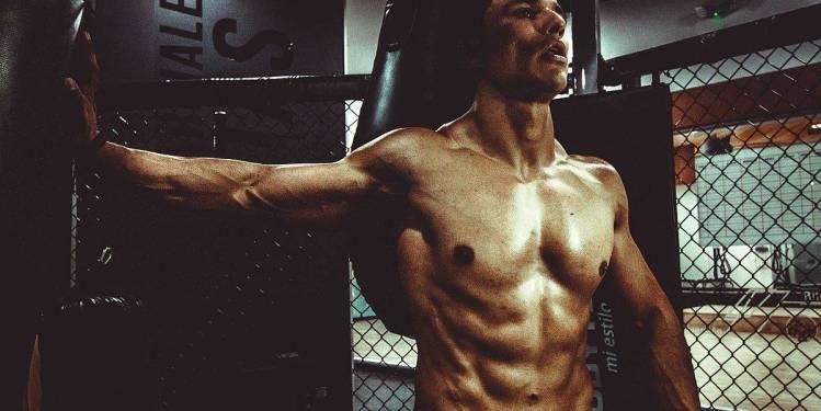 Mann trainiert Workout