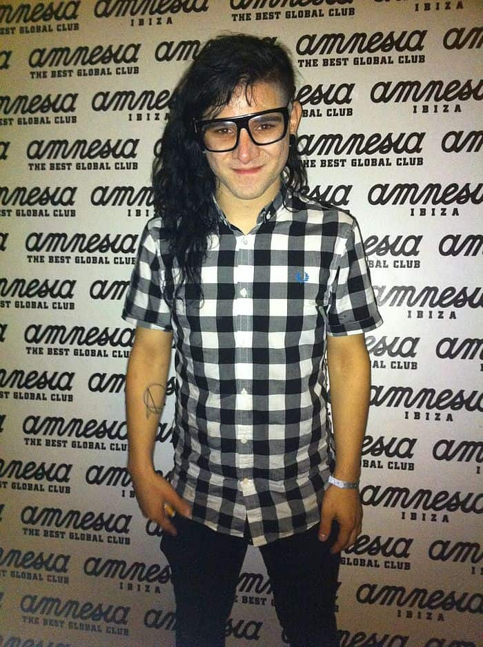 """<a href=""""http://www.flickr.com/people/63000679@N02"""">Amnesia Ibiza</a>, <a href=""""https://commons.wikimedia.org/wiki/File:Skrillex_@_Amnesia.jpg"""">Skrillex @ Amnesia</a>, <a href=""""https://creativecommons.org/licenses/by/2.0/legalcode"""">CC BY 2.0</a>"""