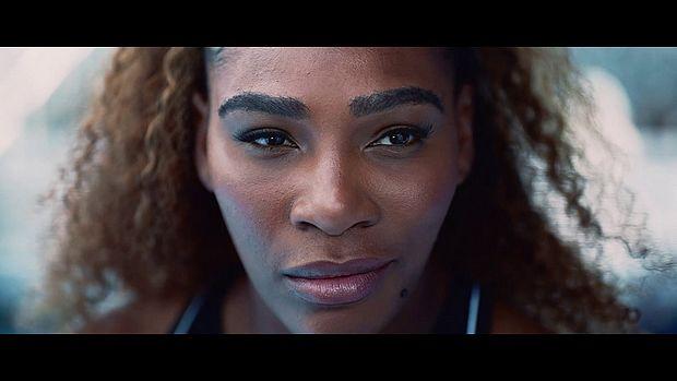 Screenshot aus AXA Werbung