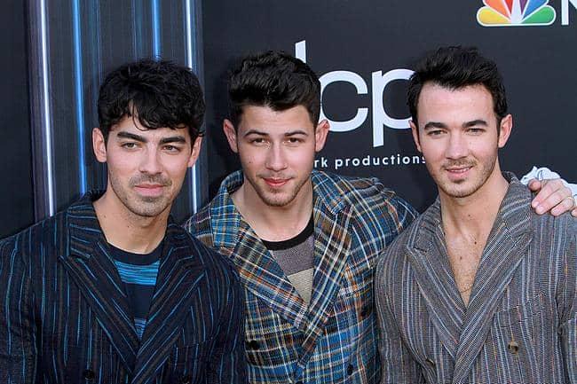 Joe Jonas, Nick Jonas, Kevin Jonas