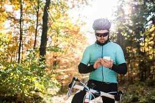 Fahrradfahrer mit Kopfhörer