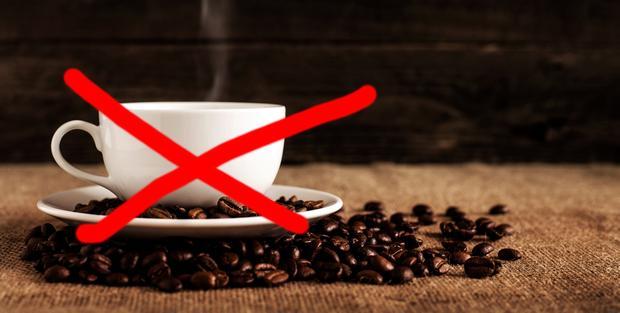Kaffee mit einem roten X