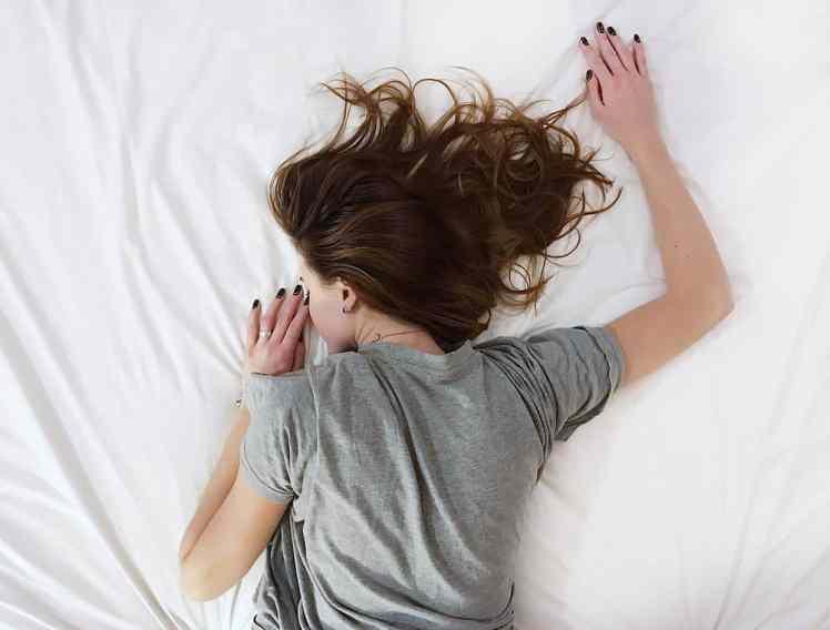 Person schläft