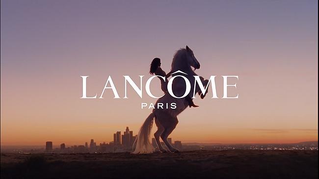 Screenshot aus Lancôme IDÔLE Werbung
