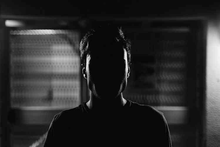 Person im Schatten
