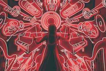 Frau und Musiksymbole