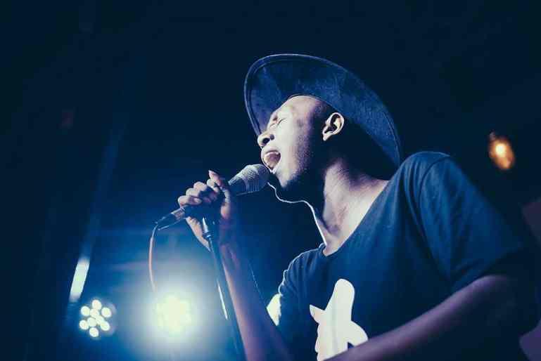 R&B Sänger