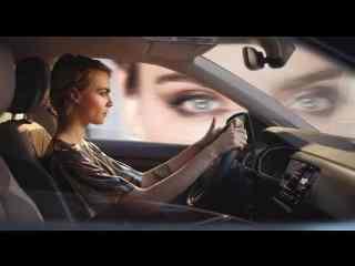 Cara Delevingne in einem VW T-Cross