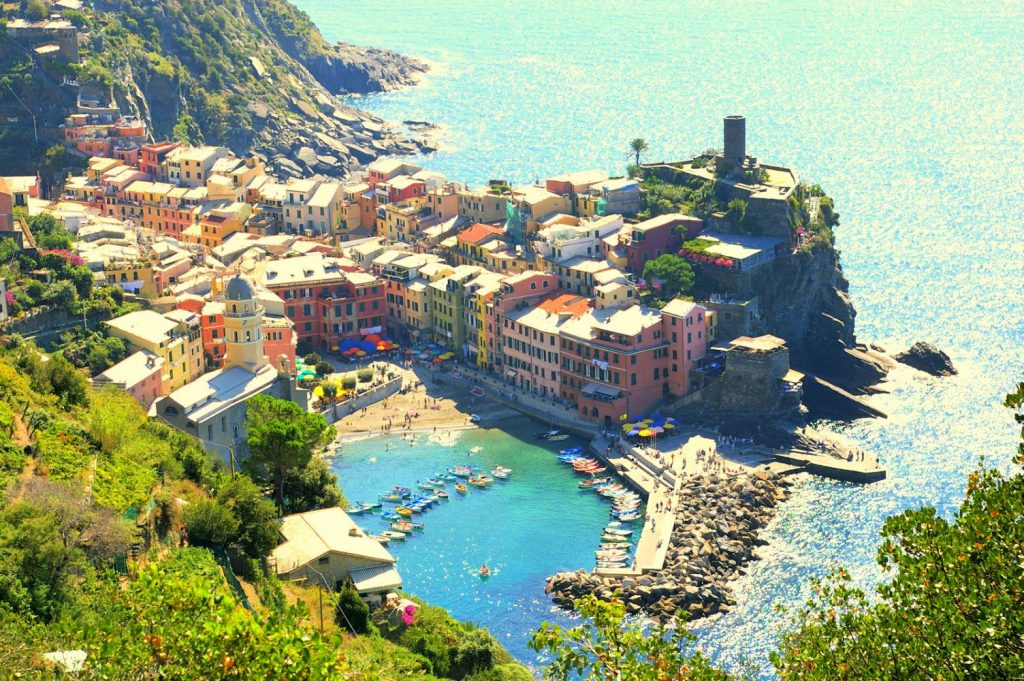 #howtomakeamazinglimoncello #vernazza #italy #travel #travelideas #explore #italyvacation #limoncellorecipe | Poplolly co