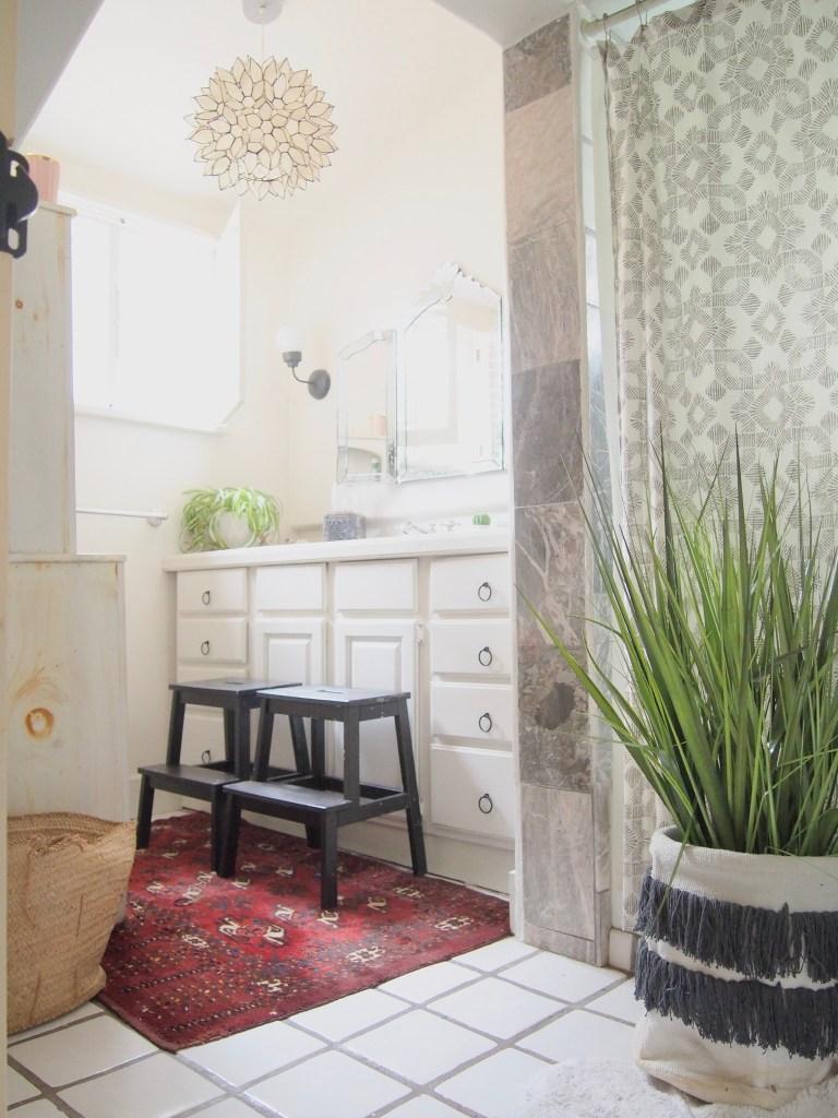 #bathroomideas #bathroomdecor #moroccandecor #readyforschool #basketideas #macrame #organization | Poplolly co.
