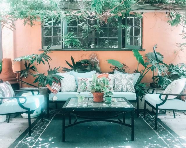 #myoutdoorpatiodecorinspiration #patioideas #patiodecorideas #outdoorpatiodecor | Poplolly co.