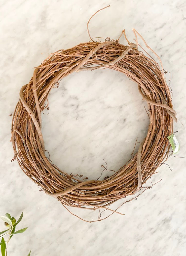 Grapewine wreath for DIY Simple Live Wreath Tutorial | Poplolly co