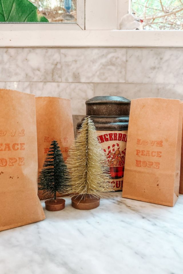 Easy gift wrap idea for baked goods using brown craft bags and a stamp | Poplolly co