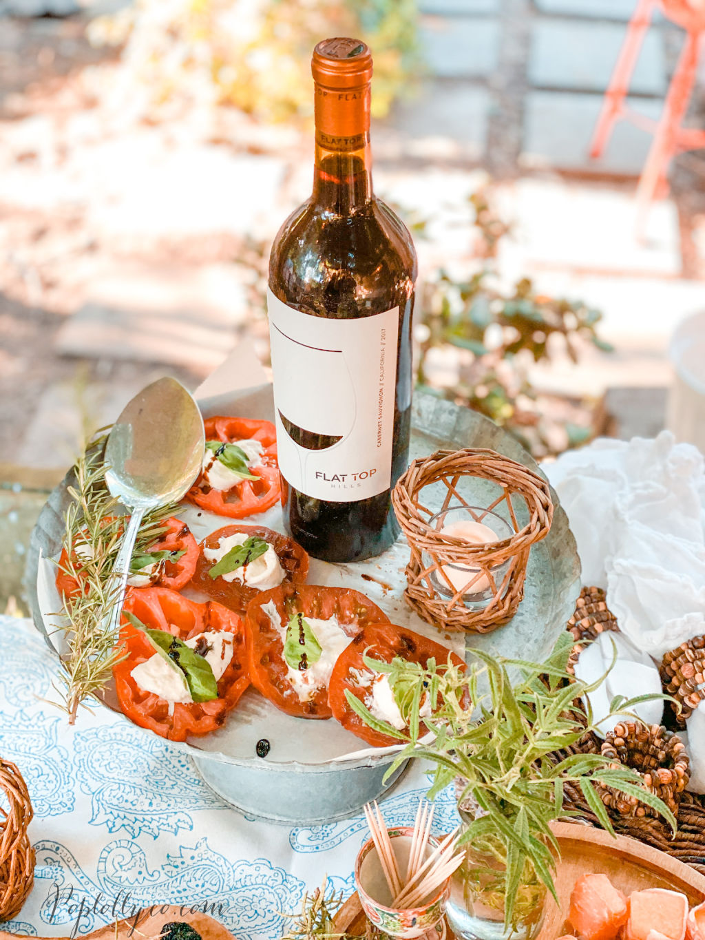 tomato caprese recipe | easy happy hour menu ideas | Flat Top Hills Wines | Poplolly co