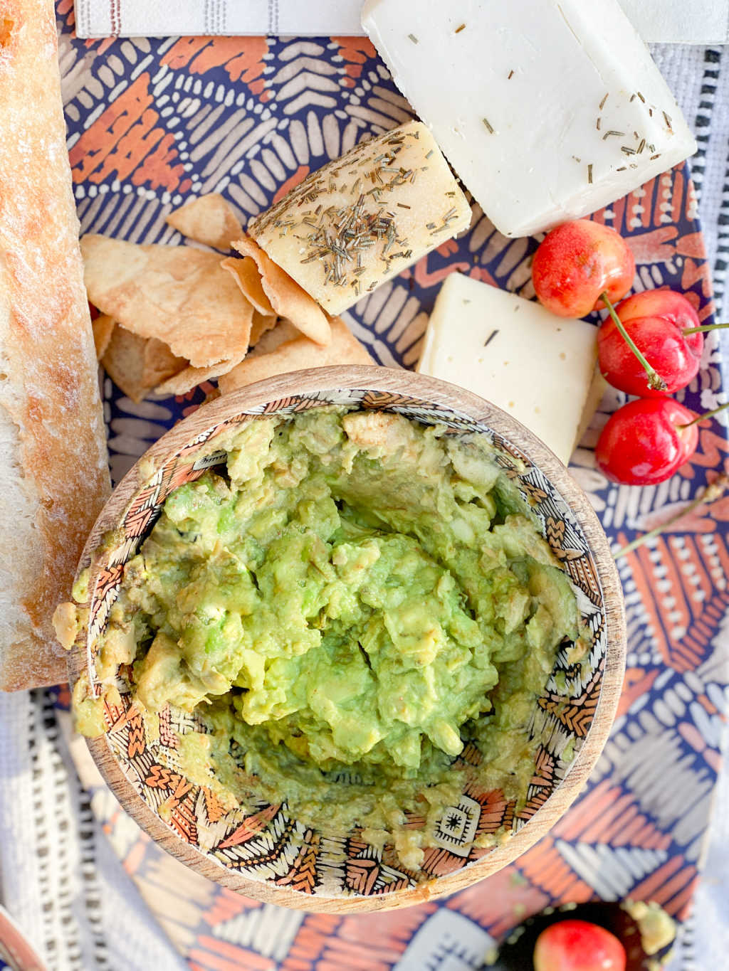 Homemade guacamole for a picnic | Poplolly co