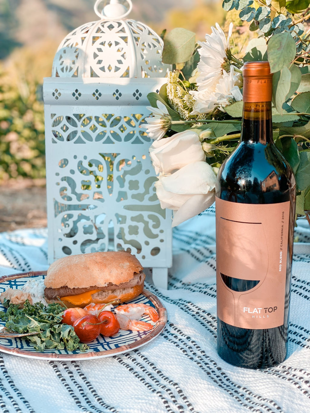Flat Top Hills Red Blend wine with roast beef sandwich | picnic food | Poplolly co
