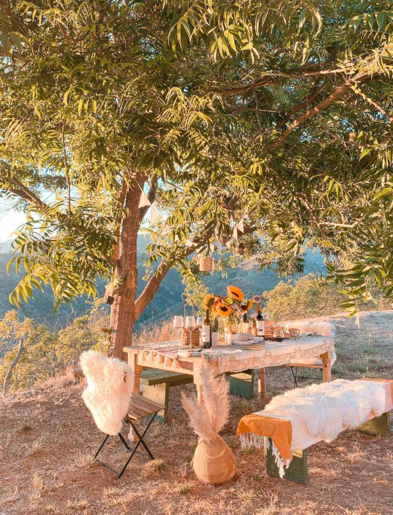 outdoor dinner party fall thanksgiving al fresco dining | Poplolly co