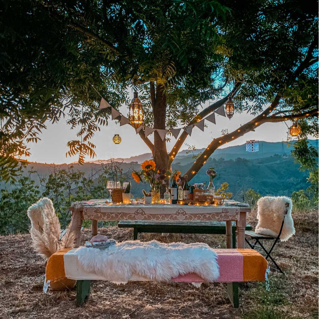 outdoor lighting ideas backyard dinner party dining al fresco | Poplolly co