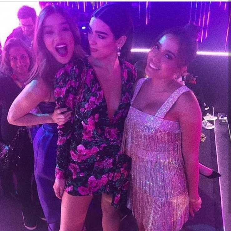 Haille Steinfeld, Dua Lipa e Anitta. Foto: Reprodução/Instagram (@anitta)
