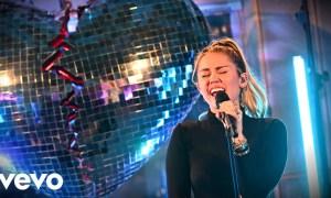 Miley Cyrus e Mark Ronson. Foto: Reprodução/YouTube