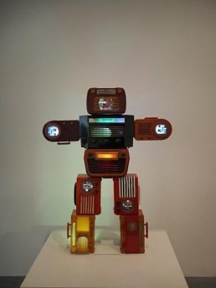ラジオロボット