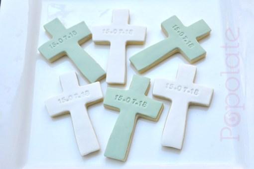 Personalised christening cross cookie