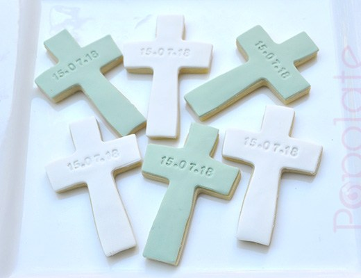 Personalised christening cross cookie