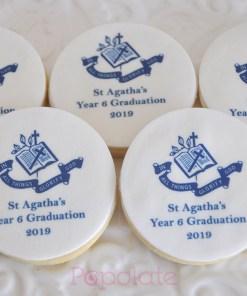 graduation biscuit