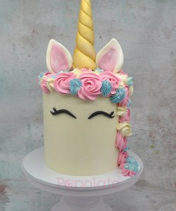 Unicorn cake in blue and pink
