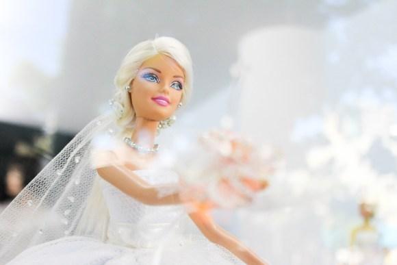 bride-969343_1280