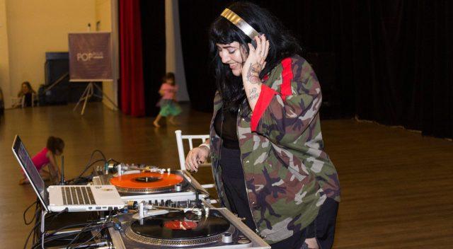 DJ Shey Guess fez playlist de indie rock pra lembrar das pistinhas