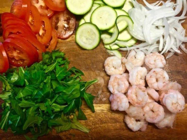 Shrimp Tossed Salad3 poppopcooks.com