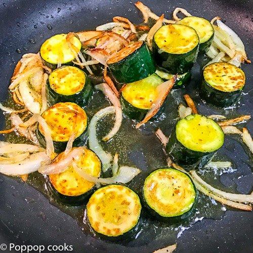 Shrimp Zucchinni onions garlic-2-poppopcooks.com-Shrimp recipes-easy shrimp recipes-cooking shrimp-shrimp dishes-shrimp meals