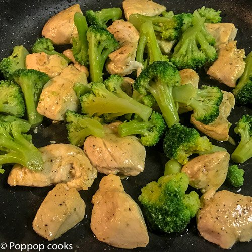 Stir Fried Chicken Broccoli and Rice_-4-poppopcooks.com-quick and easy-chinese-chicken-broccoli-fried rice