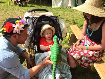 pleo-with-child-in-pram
