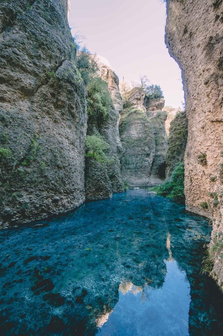 Ronda, dno wąwozu El Tajo, zejście z La Mina - Hiszpania, Andaluzja