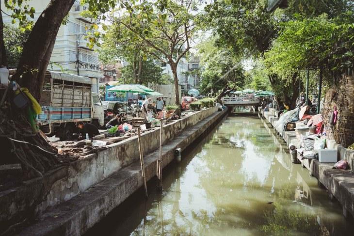 ulicami Bangkoku