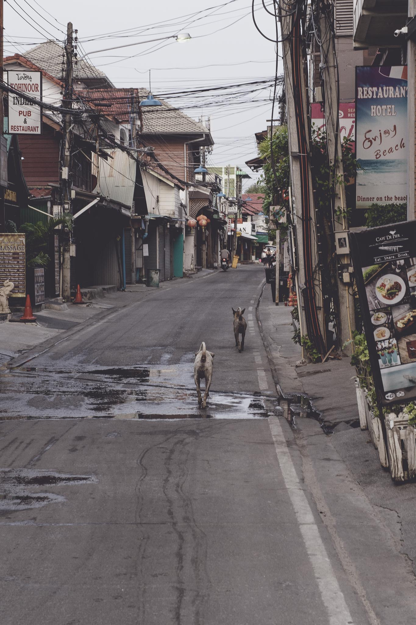 ulice Bophut o świcie
