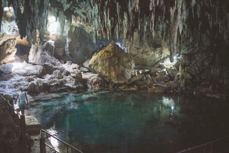 Jaskinia z wodnym oczkiem, dobra na upały ;-)