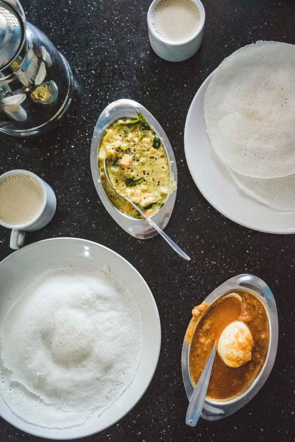 nasze Wielkanocne śniadanie w Hotelu Lucky Star - jajko w curry :-)