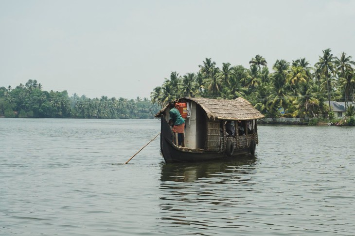 Backwaters - niespiesznie opływamy węższe lub szersze kanały i jeziorka