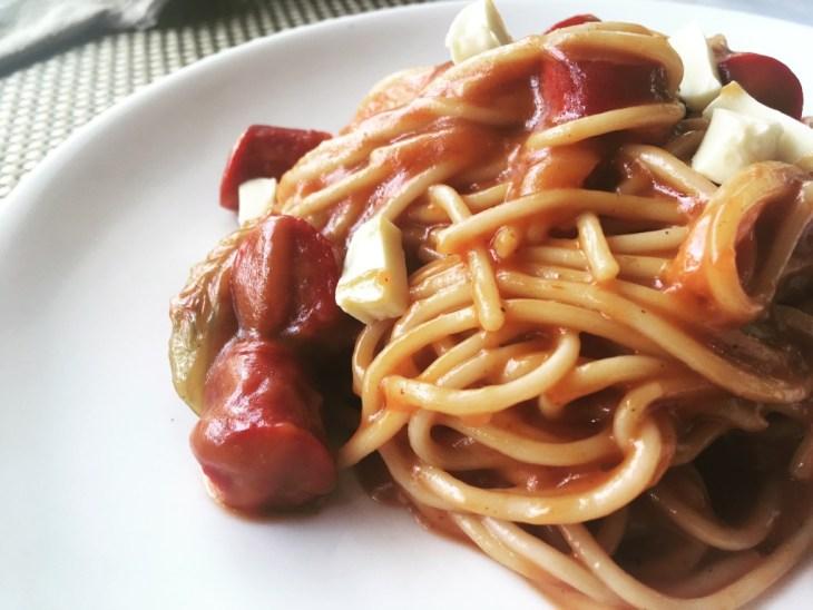 Filipińczycy uwielbiają włoski makaron, a gotowe sosy pomidorowe kupicie dosłownie wszędzie