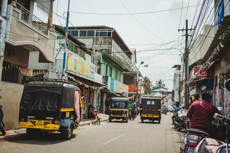 Riksze jako środek transportu miejskiego, Kochi, Indie