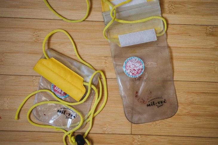 wodoodporne saszetki na telefon i najważniejsze rzeczy