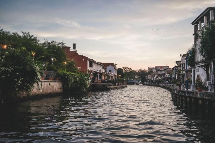 rejs po rzece to jedna z najprzyjemniejszych atrakcji Malakki