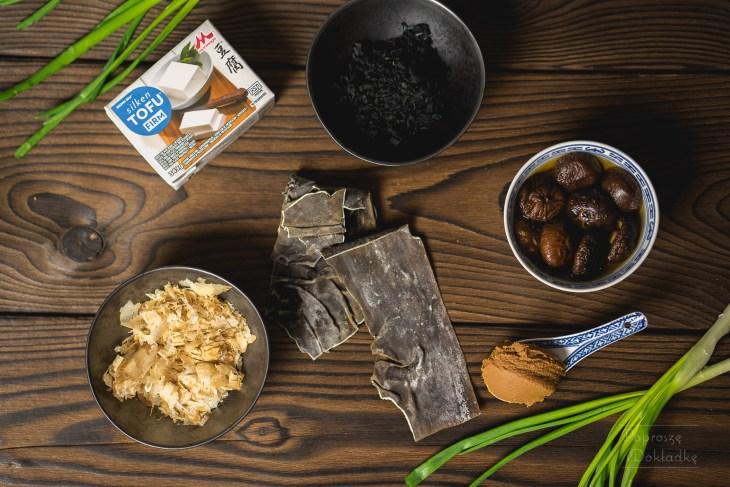 składniki japońskiej zupy miso