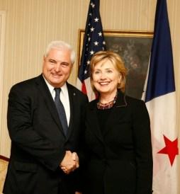 presidente-martinelli-hillary-clinton-4-presidencia-e1455202370318